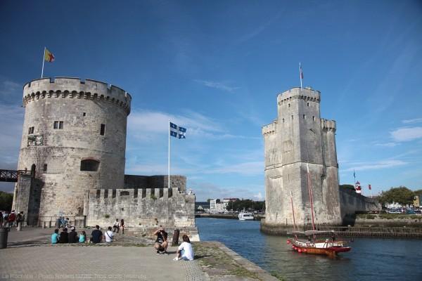 Les deux tours de la Rochelle à l'entrée du  Vieux Port