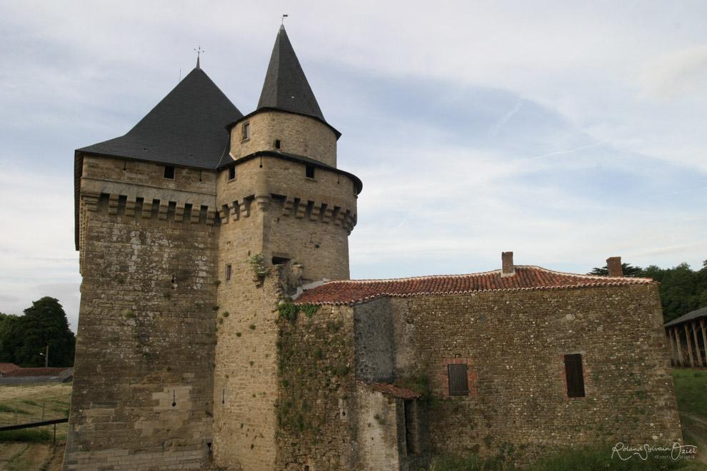 Douve Château de Sigournais en Vendée