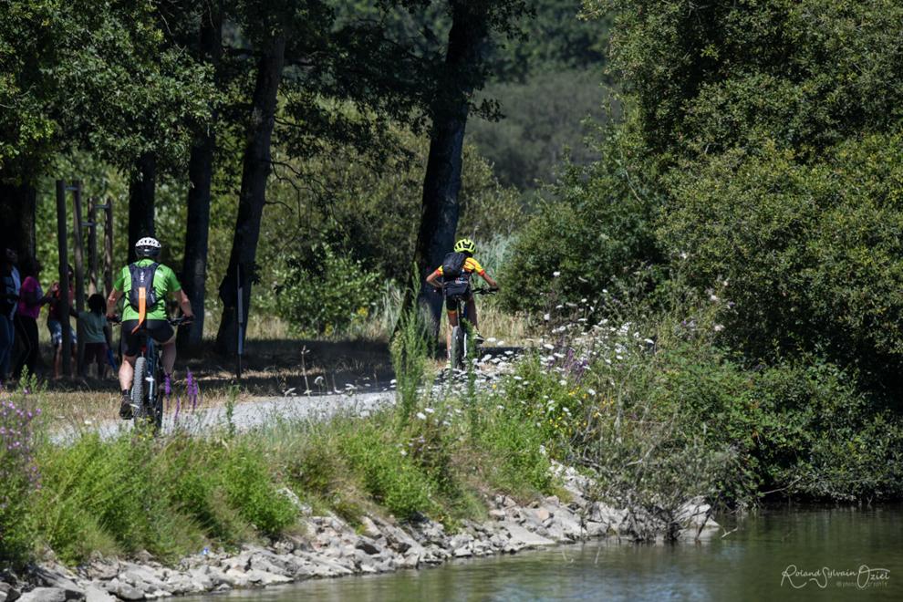 Balades à vélos ou à pied sur le sentier de randonnée ou piste cylcable